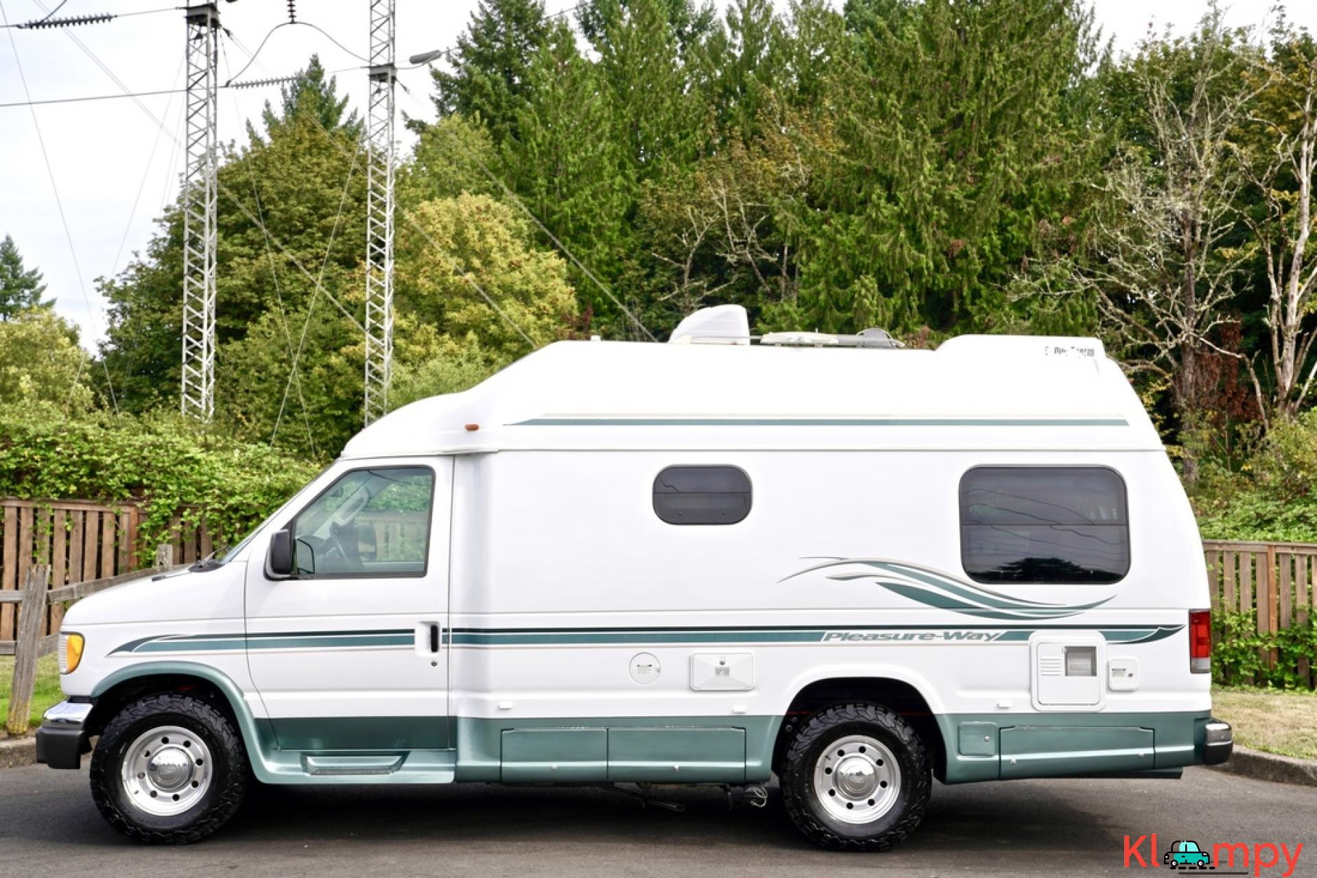 2004 Pleasure-Way Excel 20' Class B - 1/23