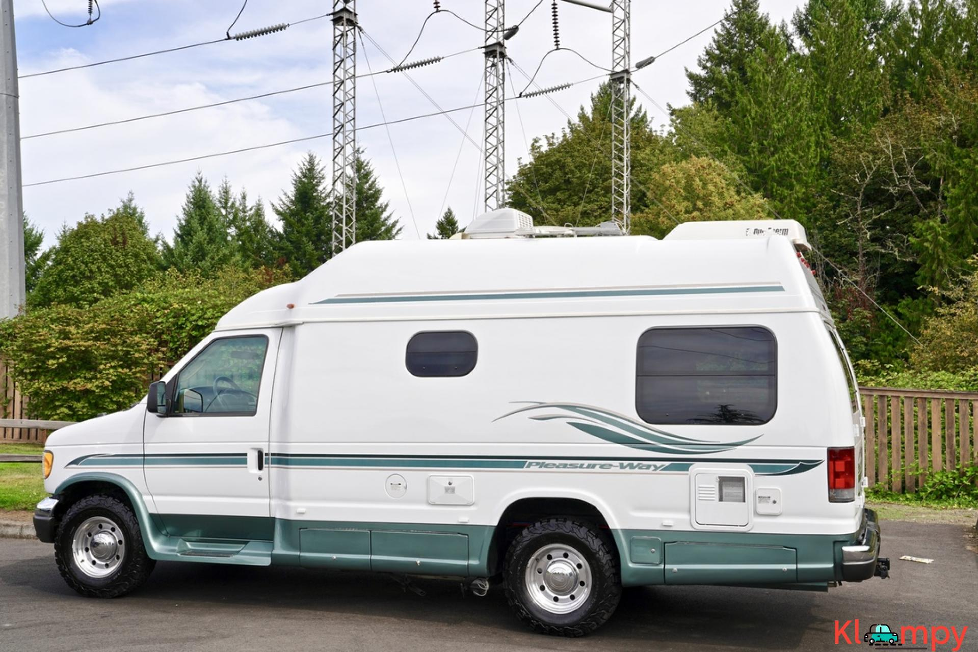 2004 Pleasure-Way Excel 20' Class B - 2/23