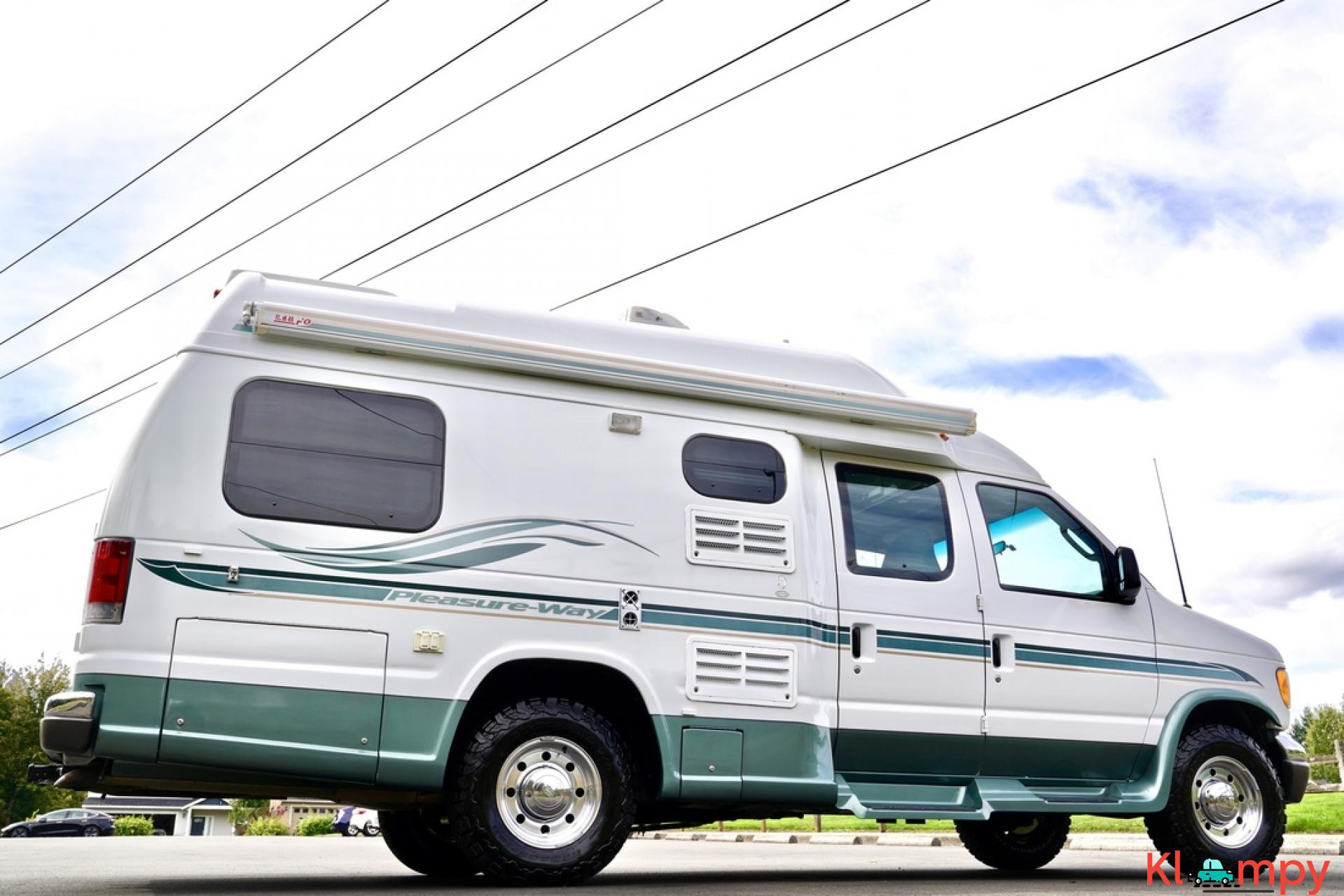 2004 Pleasure-Way Excel 20' Class B - 8/23