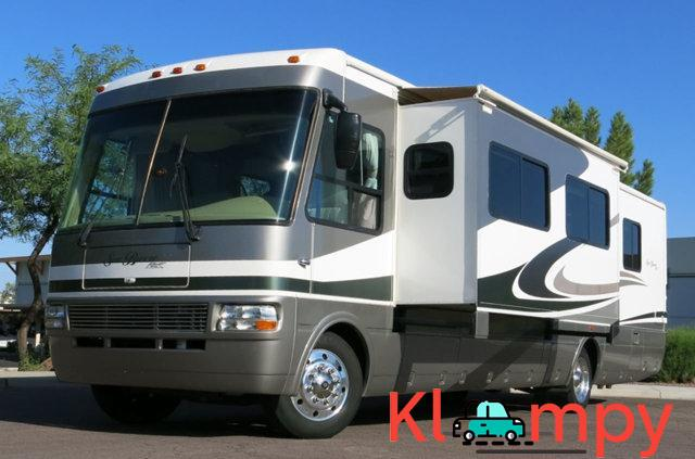 2007 National Sea Breeze LX 8.1L Workhorse Slide Outs 2 - 1/7