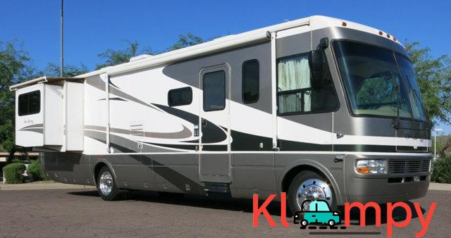 2007 National Sea Breeze LX 8.1L Workhorse Slide Outs 2 - 2/7