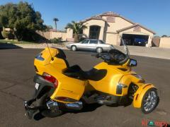2015 Can-Am Spyder Limited RT - Image 7/17