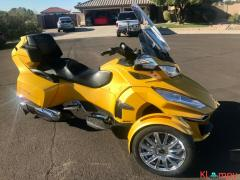 2015 Can-Am Spyder Limited RT - Image 8/17