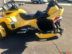 2015 Can-Am Spyder Limited RT - Image 10/17