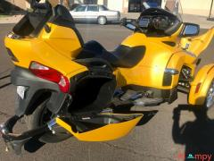 2015 Can-Am Spyder Limited RT - Image 12/17