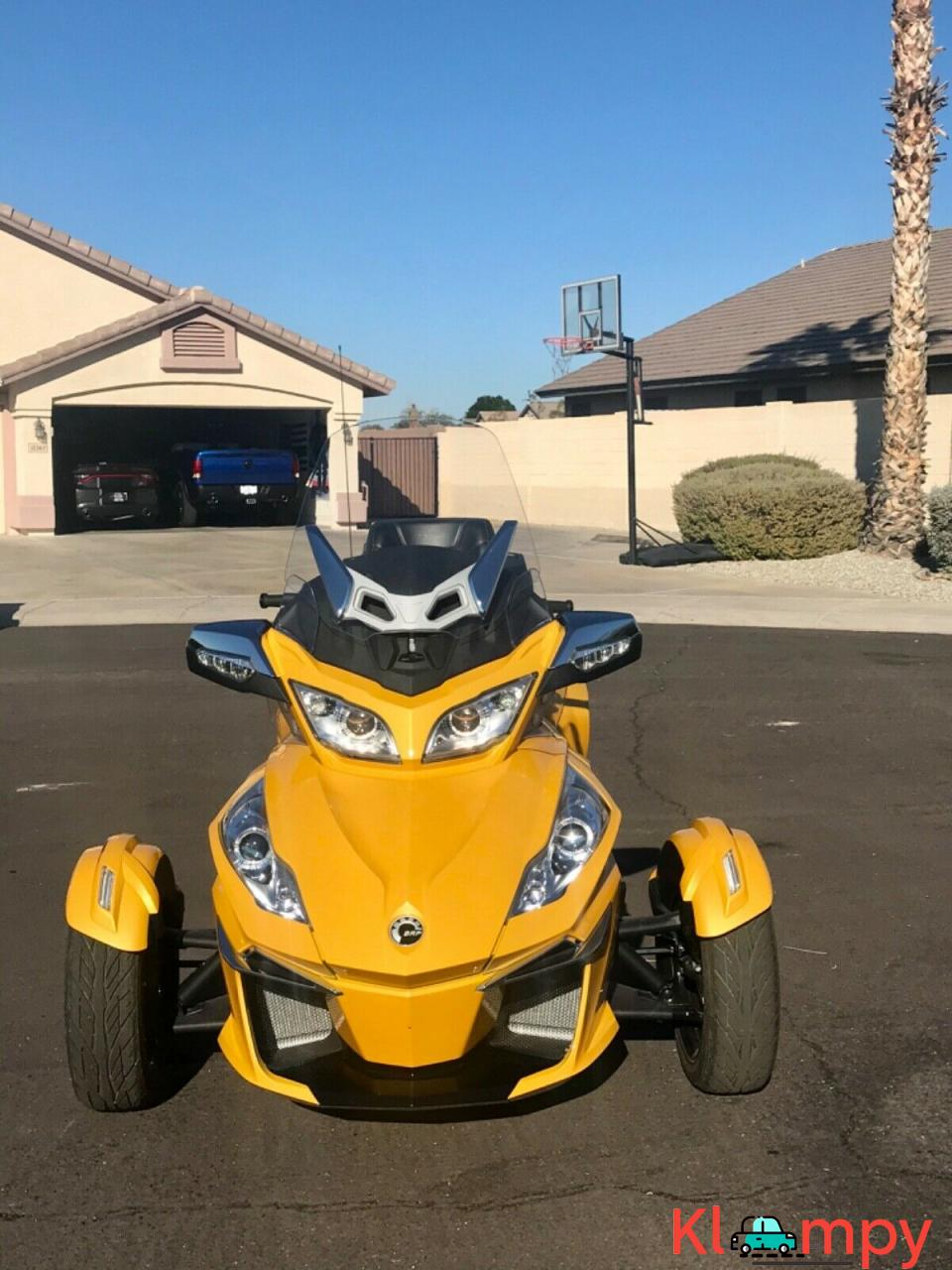 2015 Can-Am Spyder Limited RT - 13/17