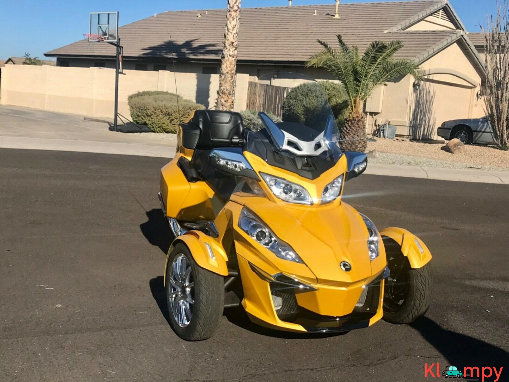 2015 Can-Am Spyder Limited RT - 14/17