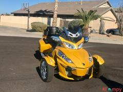 2015 Can-Am Spyder Limited RT - Image 14/17